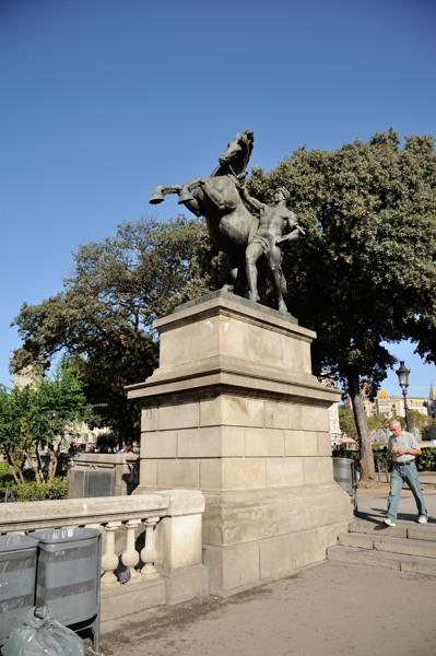 カタルーニャ広場3