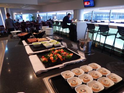 バンコク2015.4成田空港デルタ航空ラウンジ