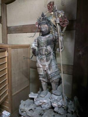 高縄寺毘沙門天(左側)