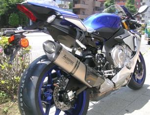 2015モデルYZF-R1