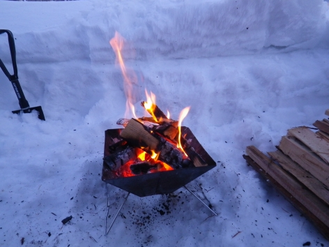 猪苗代湖モビレージ 焚火開始