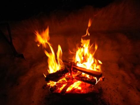 猪苗代湖モビレージ 焚火
