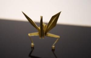 動く折り紙