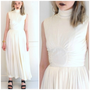 1970年代ハイネックビンテージウェディングドレス