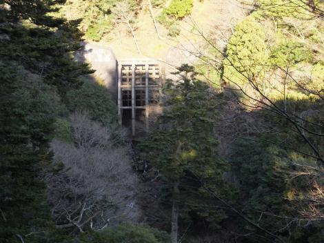 鈴川の透過型砂防堰堤