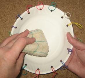 紙皿ペット太鼓 制作過程3