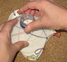 紙皿ペット太鼓  制作過程4