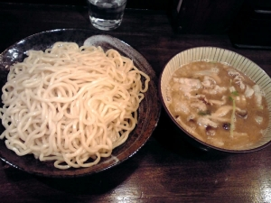 綿麺 フライデーナイト Part85 (15/3/27) 新たまねぎとしめじの豚しゃぶつけ麺