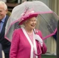 エリザベス女王傘ピンク