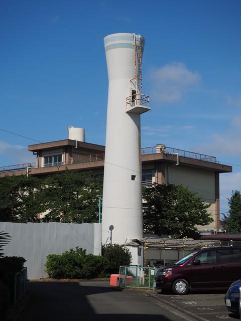 神奈川県公社戸手共同住宅のとっくり型給水塔