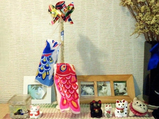 150417_3037玄関の鯉のぼりVGA