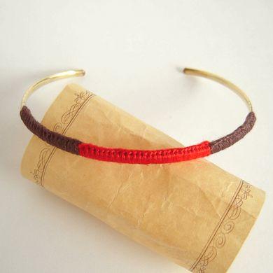 刺繍糸のバングル