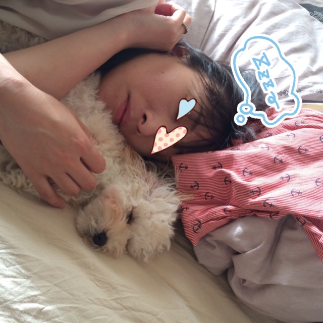 寝てる二人