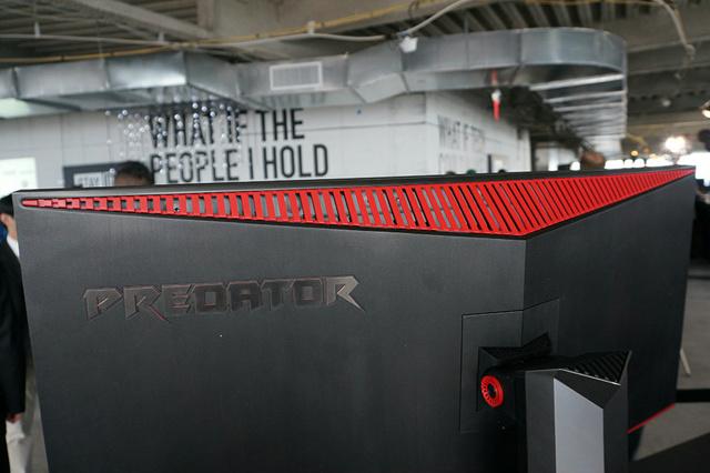 Acer_Predator_Z35_04.jpg