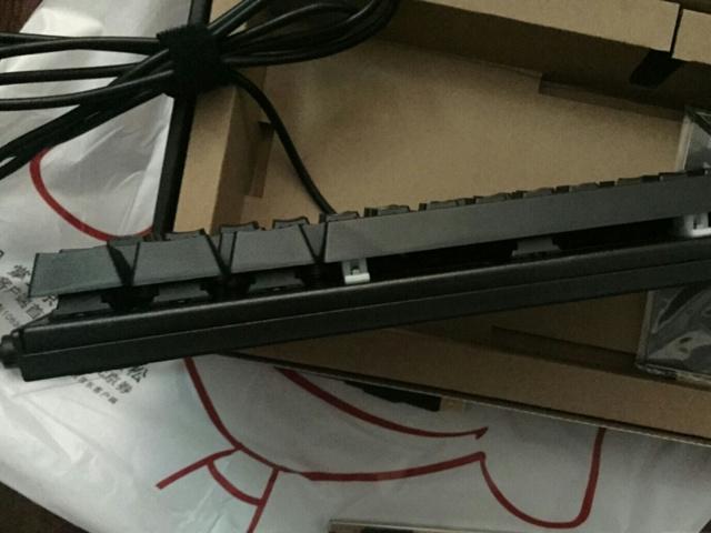 Lenovo_MK100_04.jpg