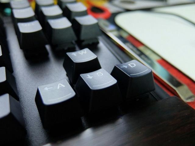 Lenovo_MK100_06.jpg
