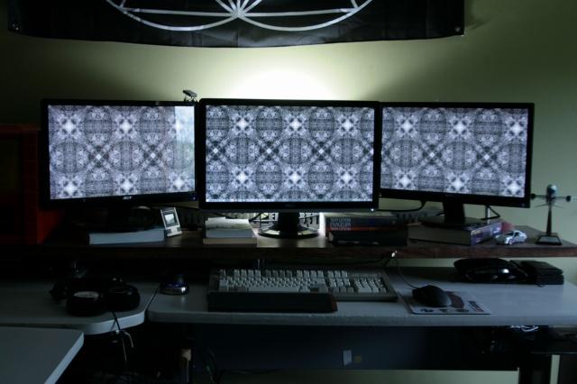PCdesk_MultiDisplay48_11.jpg