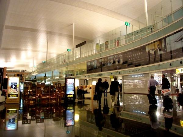 Barcelona ~近代的なバルセロナ・エルプラット空港~